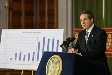 photo of Governor Cuomo at podium